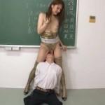 ヒョウ柄ボディコンのニューハーフ教師